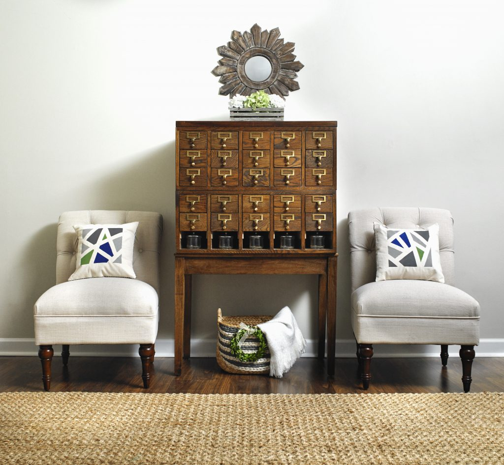 Wow! 10 bloggers collaborated on this family room, sending all of their DIY creations to one location for this photo shoot. Amazing how all of their different styles combined to make this space! You HAVE to see which items are DIY projects!