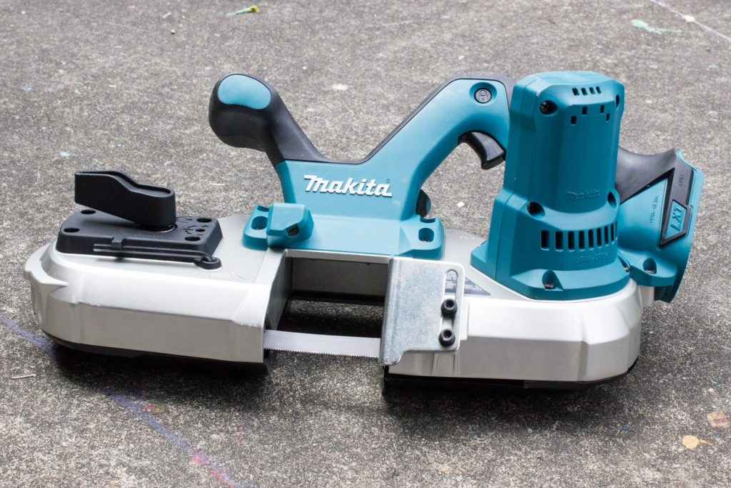 Cutting tube steel with the Makita Portable Compact Band Saw