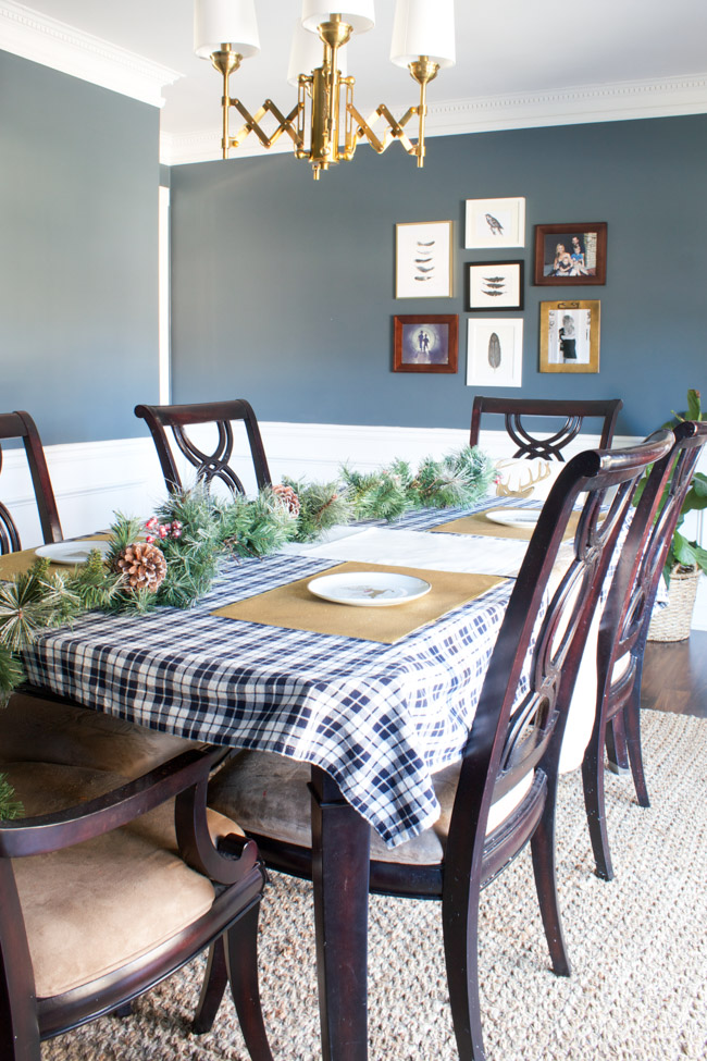Holiday decor in the dining room from At Home.
