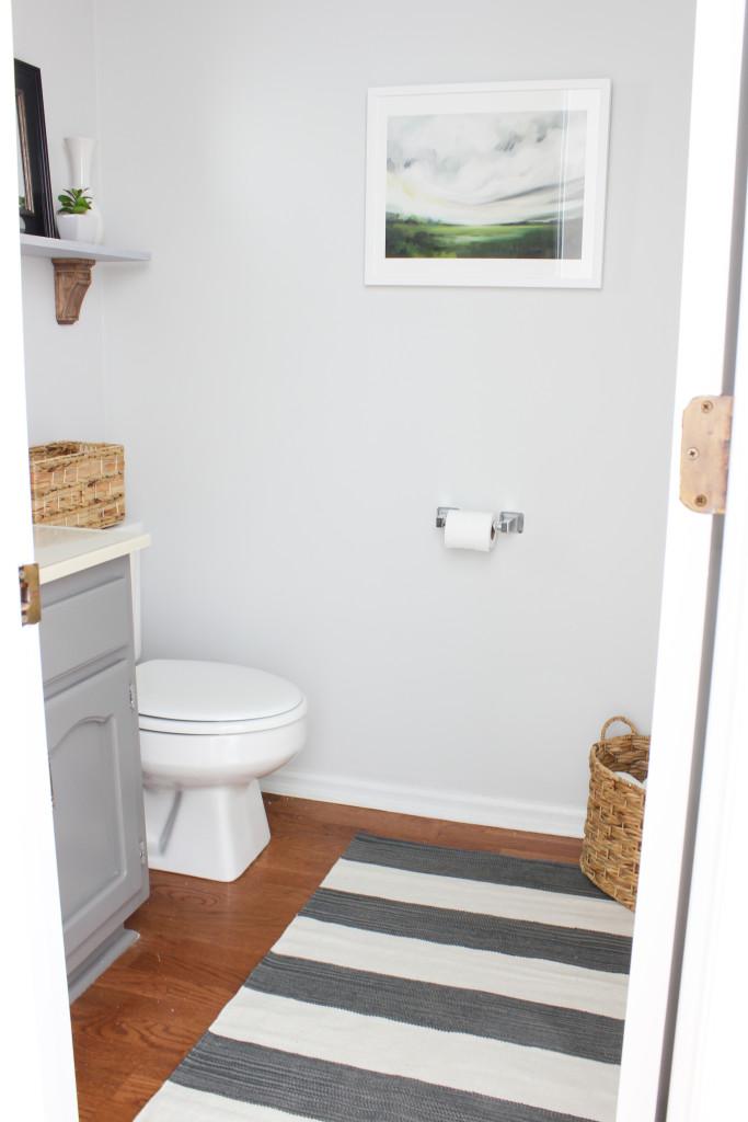 Cute Bathroom makeover on a budget