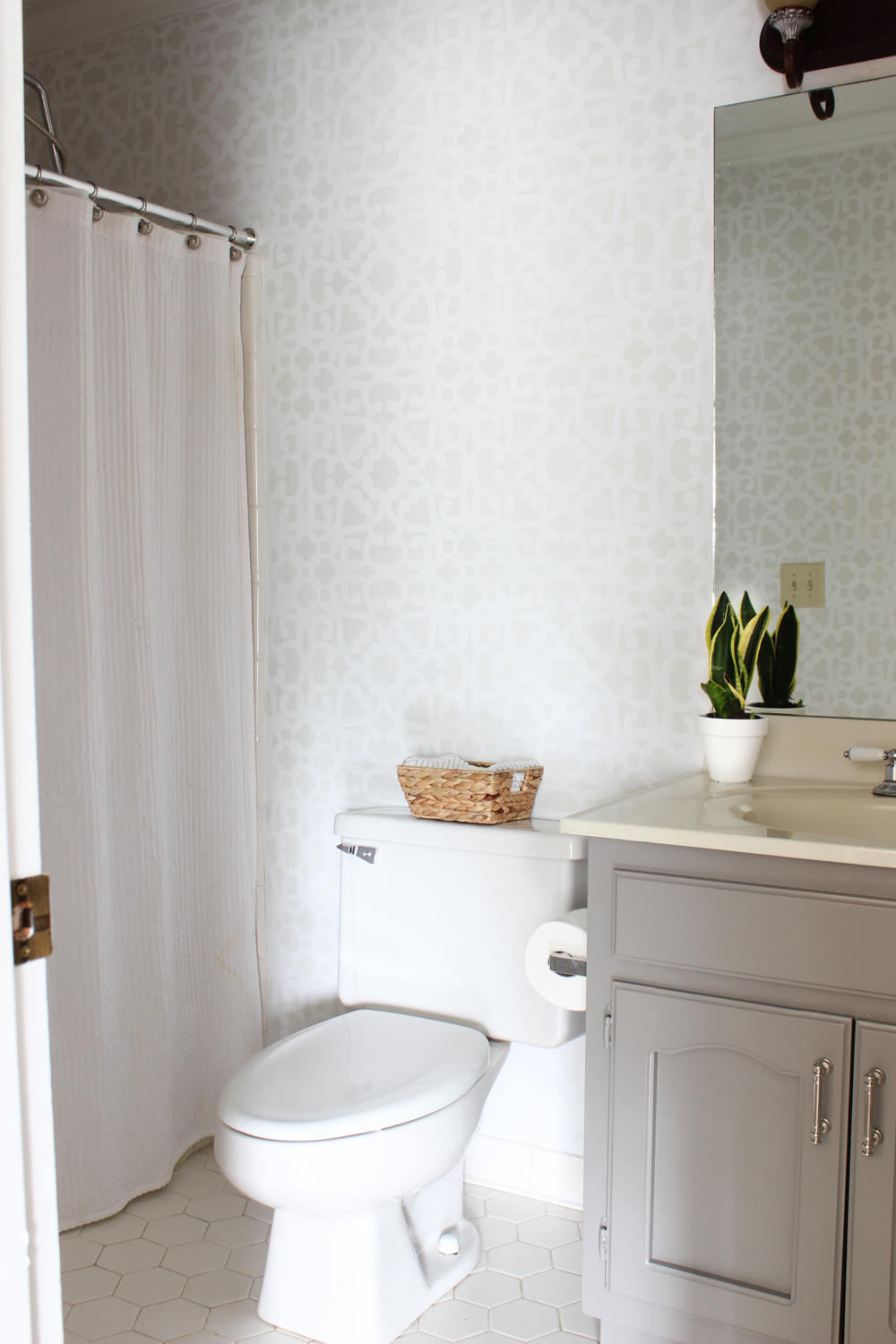 Bathroom Makeover Stenciled Walls Plus A Giveaway