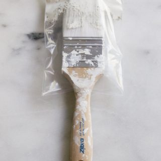 Don't want to rinse your paintbrushes between uses? Stick them in a BrushBaggy! They come in custom sizes, are 100% recyclable, and are far less messy than regular plastic wrap.