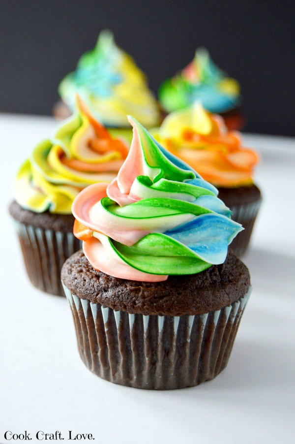chocolate-caramel-filled-cupcakes