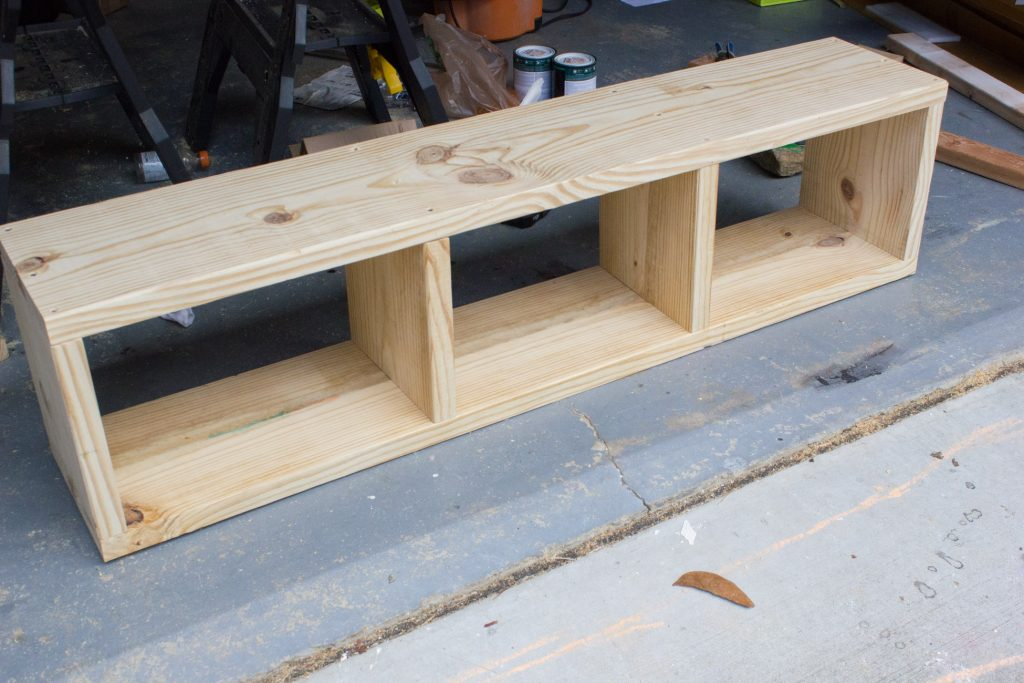 Build your own DIY storage bench!