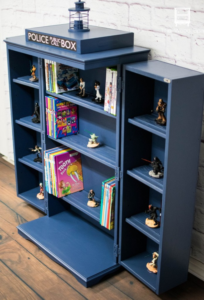 Tardis cabinet, featured at the DIY Like a Boss link party!