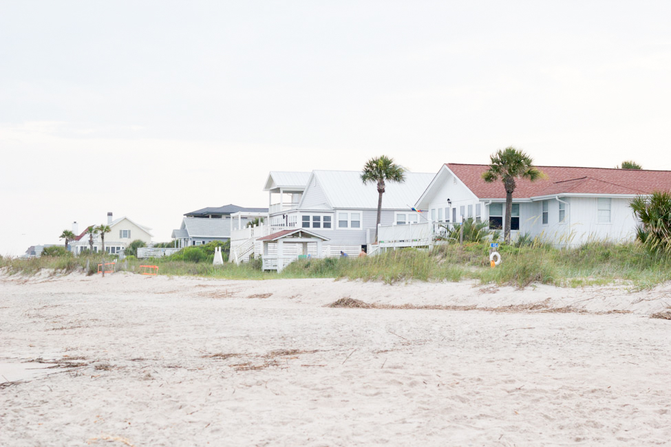 Looking for a quaint little beach town to visit? Find out all about Edisto Beach, SC! Plus my top 5 must-have beach items.