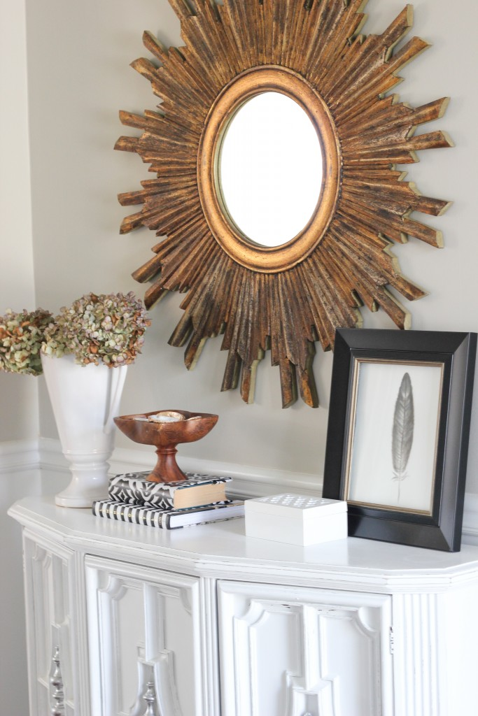 Spring Home Tour at DIY on the Cheap: Entryway