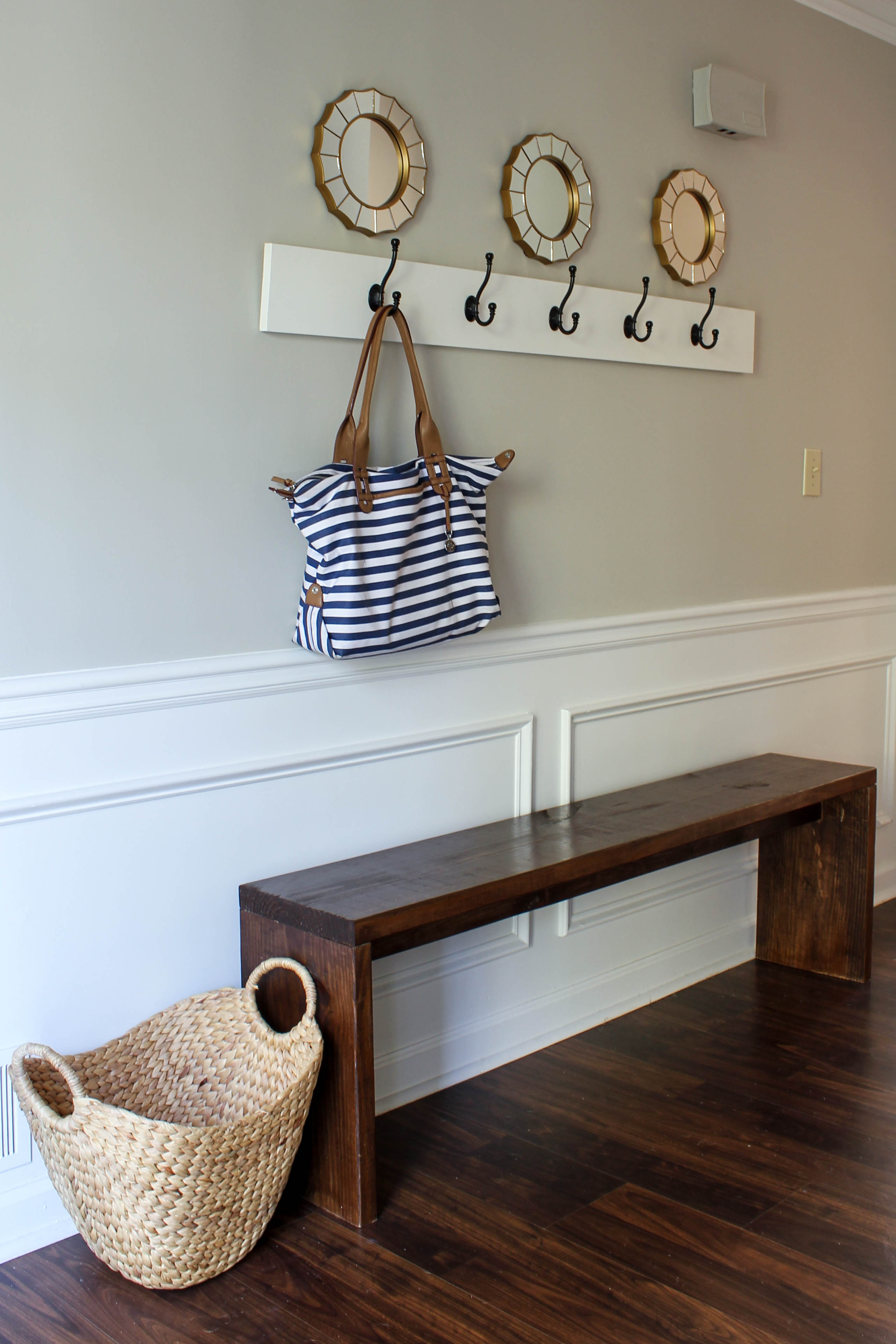 Free entryway bench build plans and tutorial.