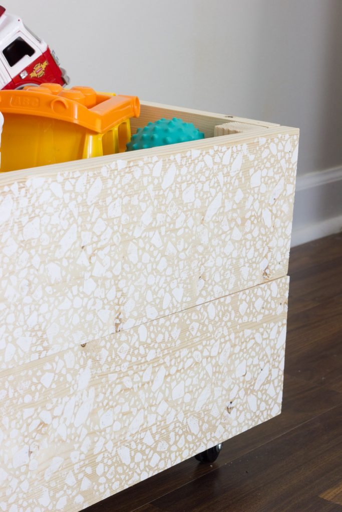 Learn how to build a rolling wooden toy bin, plus find out how to add a fun patterned silkscreened design!
