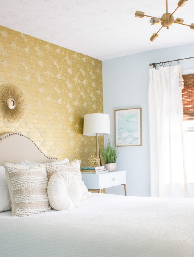 Check out this guest room makeover for the FrogTape® Paintover Challenge™! The before and after is dramatic.