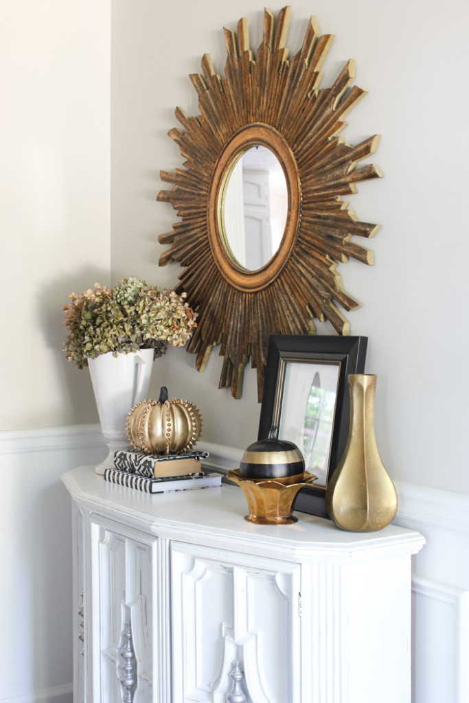Fall Entryway, from the Fall Home Tour by Erin Spain at DIYontheCheap.com, plus a blog hop!