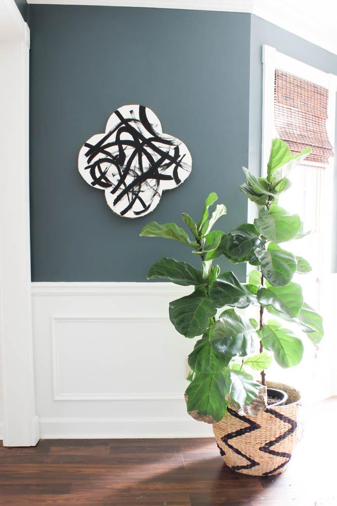 DIY Quatrefoil Abstract Wall Art via DIY on the Cheap #MakeItFunCrafts