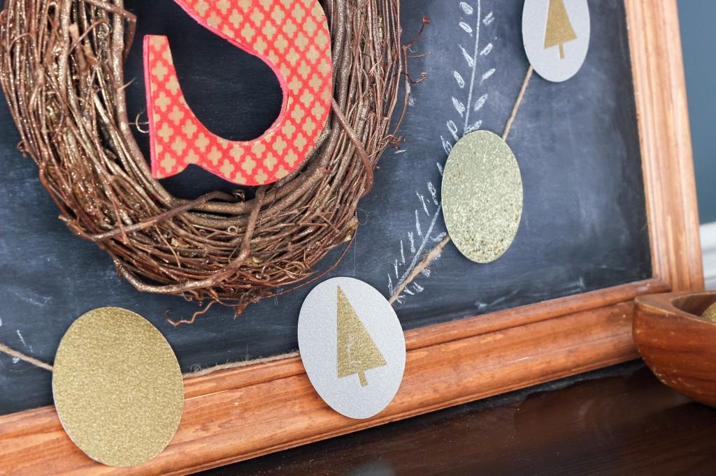 Make your own Glitter Christmas Garland! Tutorial via DIY on the Cheap.
