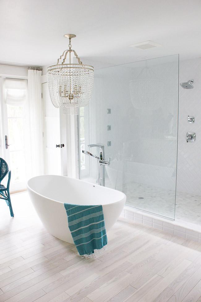 2016 HGTV Dream Home Master Bathroom