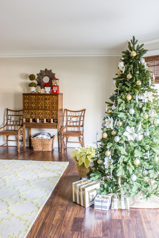 Holiday Home Tour Blog Hop & Home Decorators Collection giveaway! #HDCholidayhomes