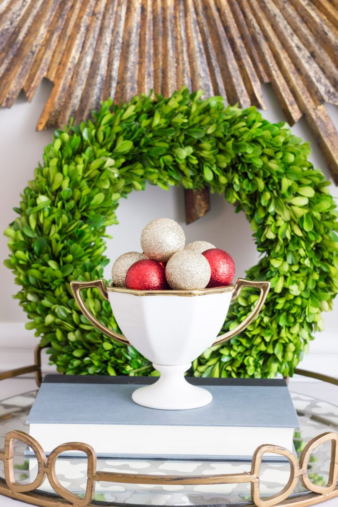 Such a pretty table vignette! Check out the Seasonal Simplicity blog tour.