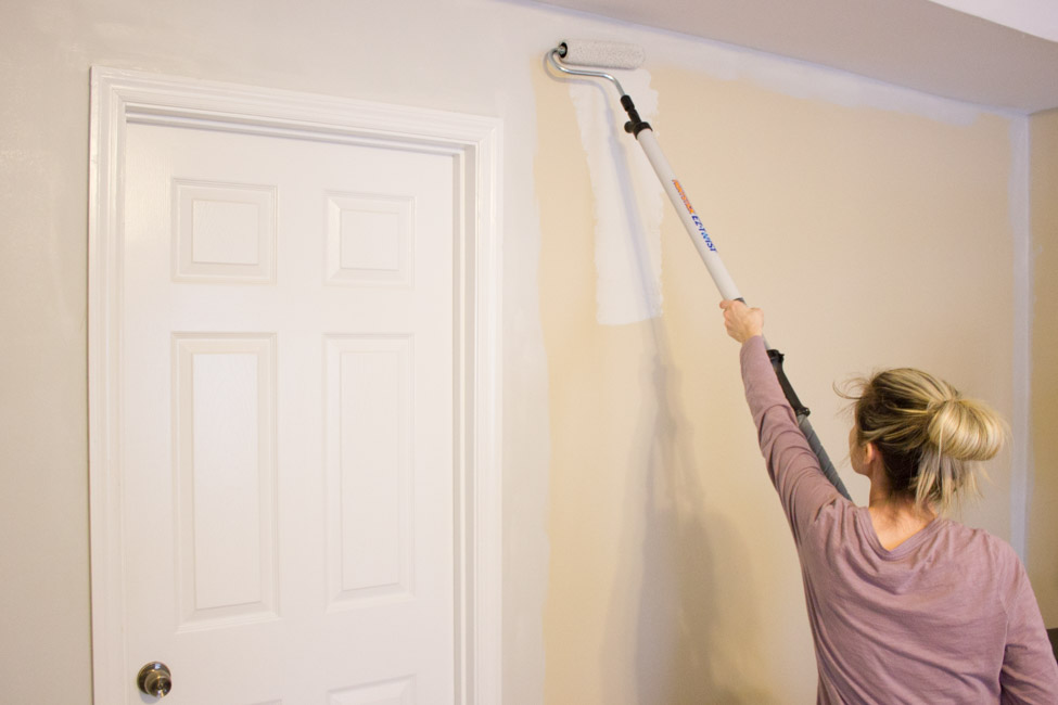 How to paint walls easily