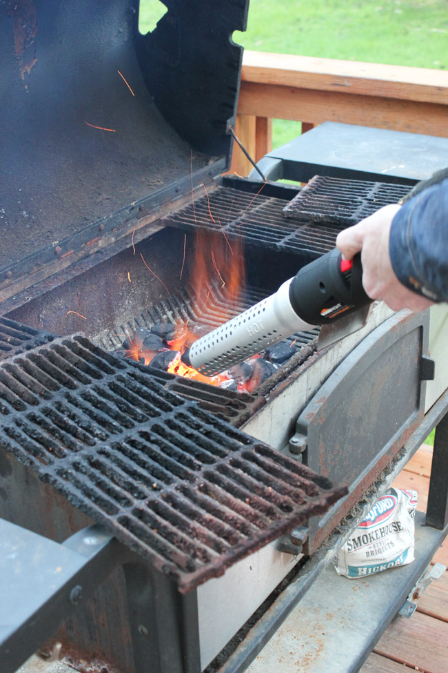 how to use a charcoal grill Using a charcoal chimney is the safest, cheapest and most efficient way to start a charcoal grill with no need for lighter fluid.
