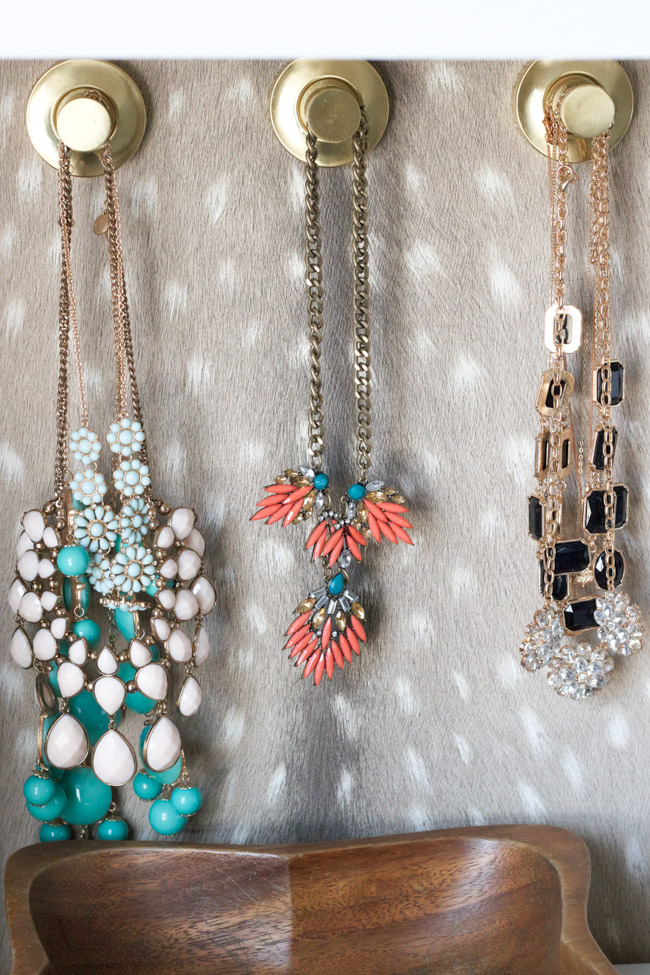 jewelry-on-hooks-closet-makeover