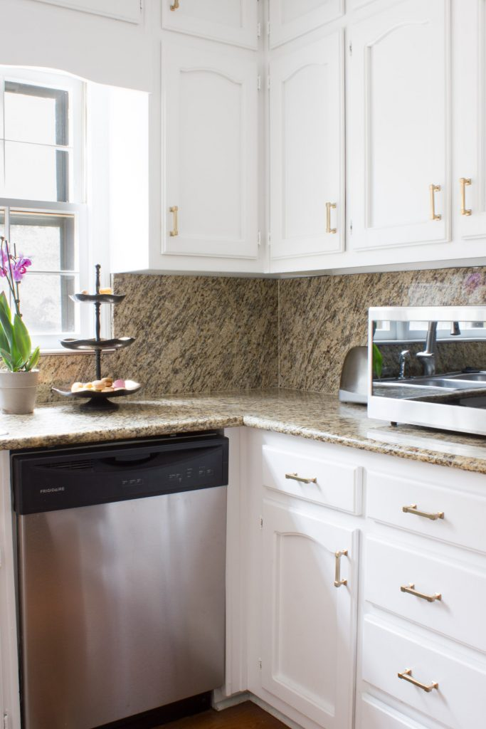 Kitchen makeover with Liberty Classic Square hardware in Champagne Bronze.