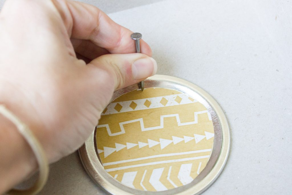 Make your own DIY mason jar lid ornaments!