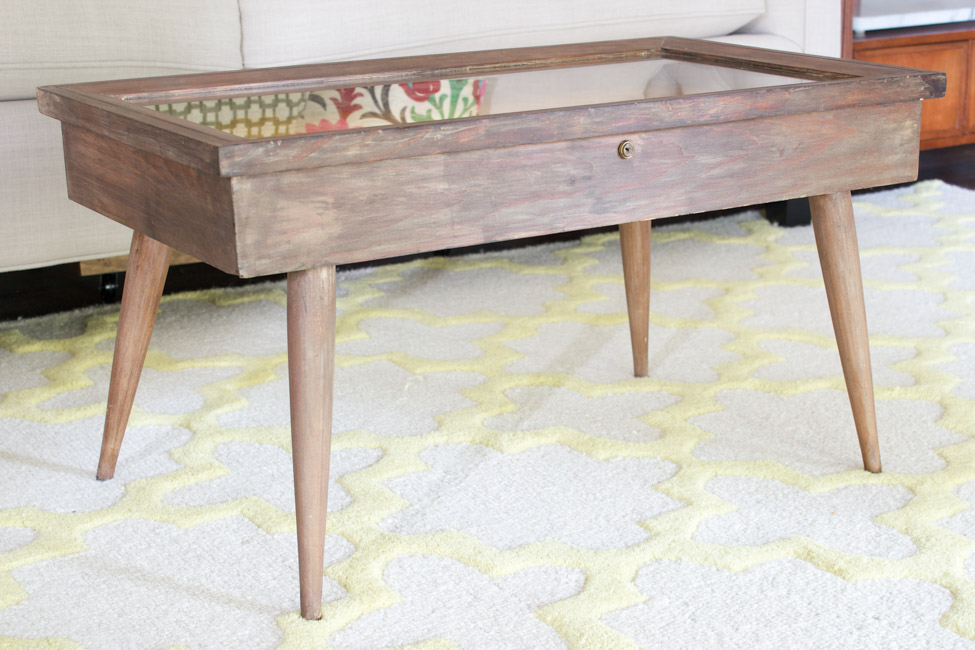 Check out this Mid-Century Modern coffee table that I'm sharing for our Thrifty Style series, and help me decide what to do with it!
