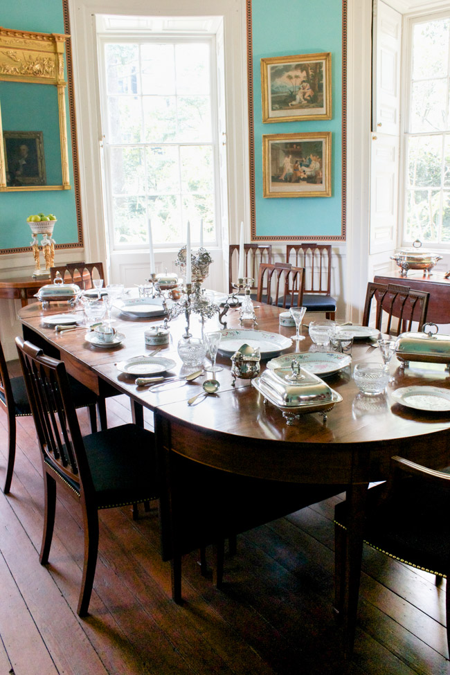 Check out this home tour of the breathtaking historic Nathaniel Russell House in Charleston, SC.