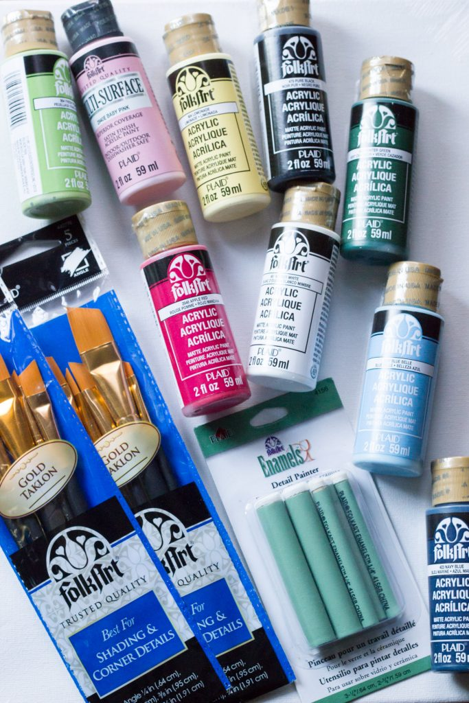 Paint along with Plaid®! Join them for their Facebook Live painting parties!