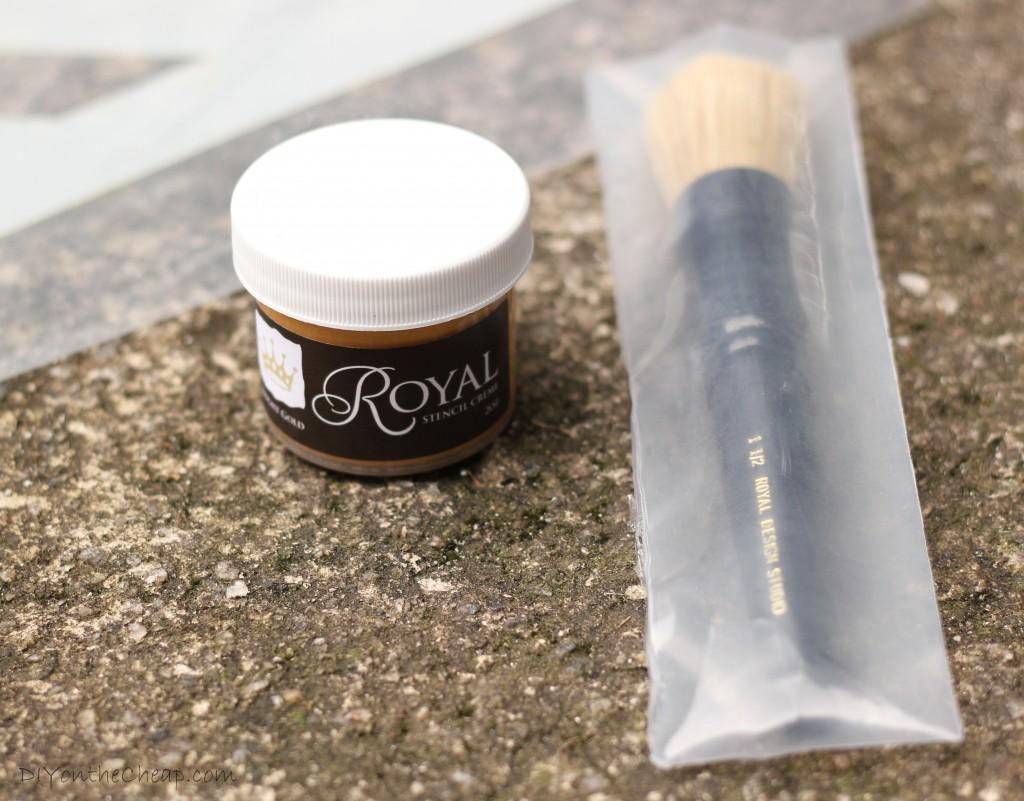 Royal Design Studio stencil creme and brush