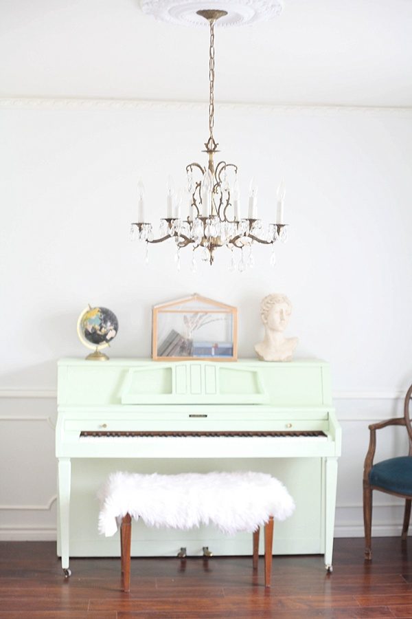 How to Paint a Piano by Run to Radiance, featured at #DIYLikeaBoss
