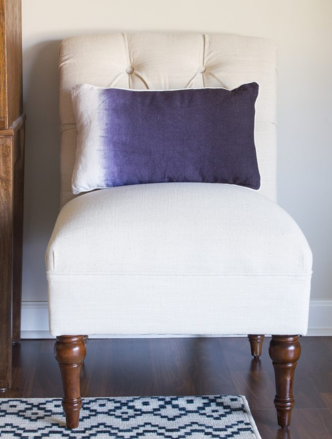These Sumatra Indigo decorative pillows from Christy Linens are gorgeous! Loving the modern dip dyed effect.