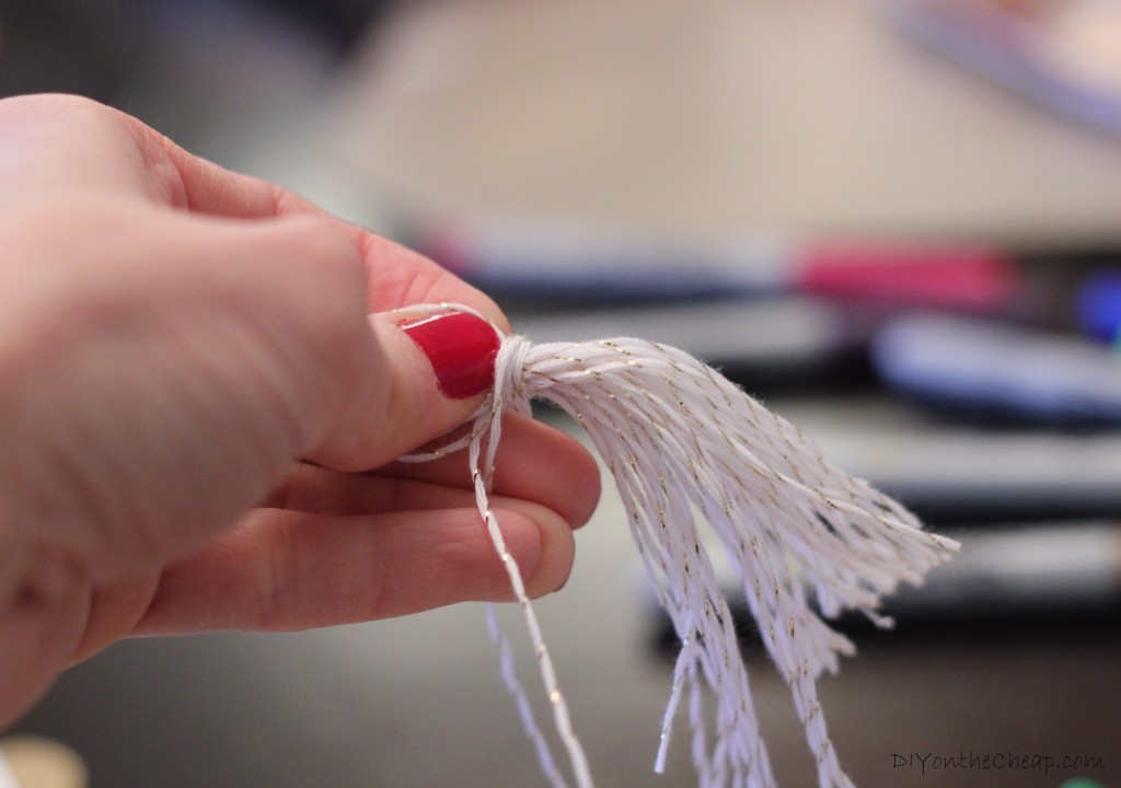 Make your own tassels! It's so easy, and they can be used for all sorts of fun purposes, including holiday decor or embellishing gift packages!