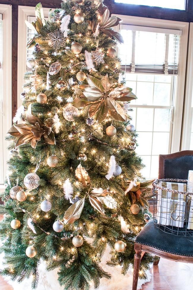 Tree Classics' Housewalk: Classic Noble Fir Snap Tree