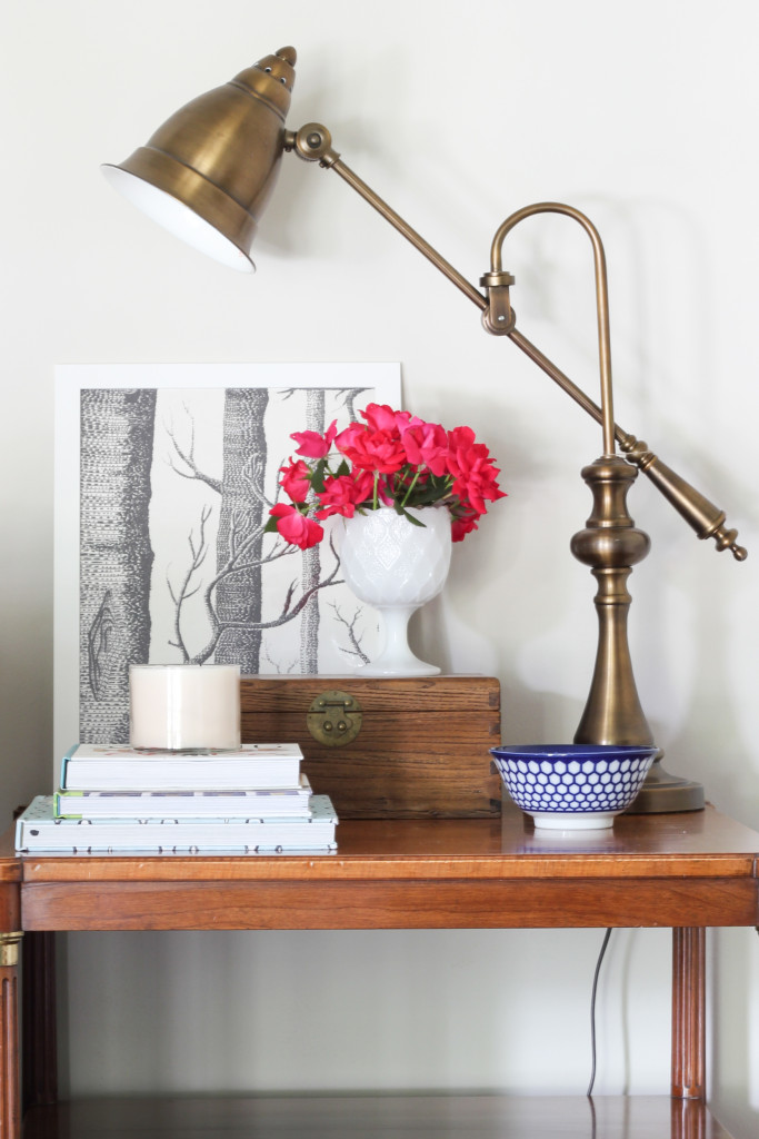 How to Create a Vignette {Tips & Tricks} via Erin Spain of DIYontheCheap.com.