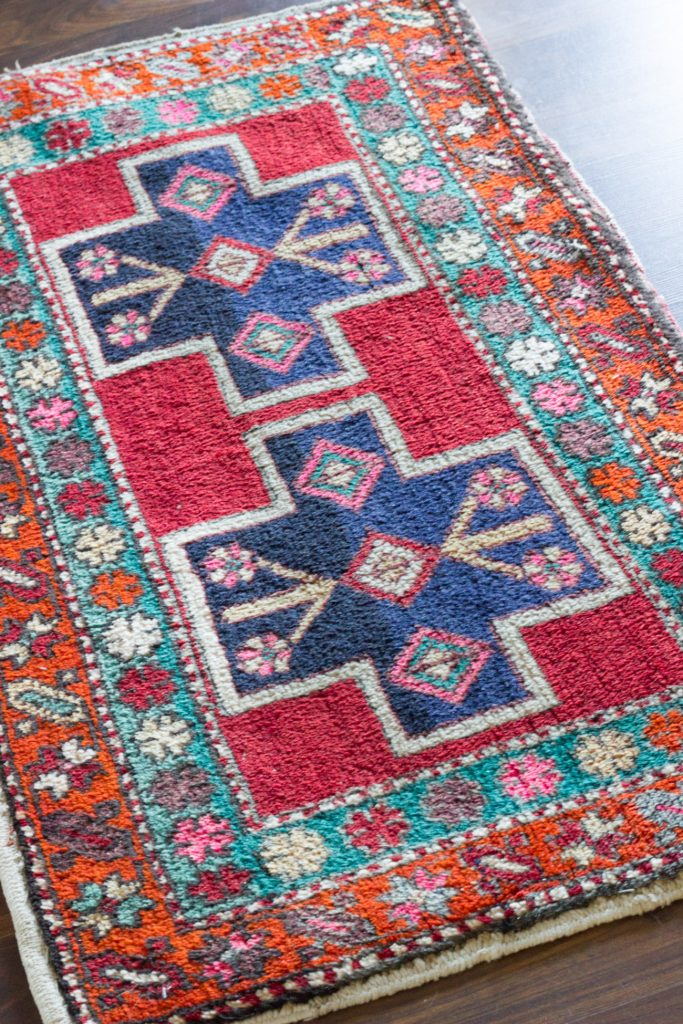 This gorgeous vintage Persian rug is a contender for the One Room Challenge coffee bar makeover at ErinSpain.com!